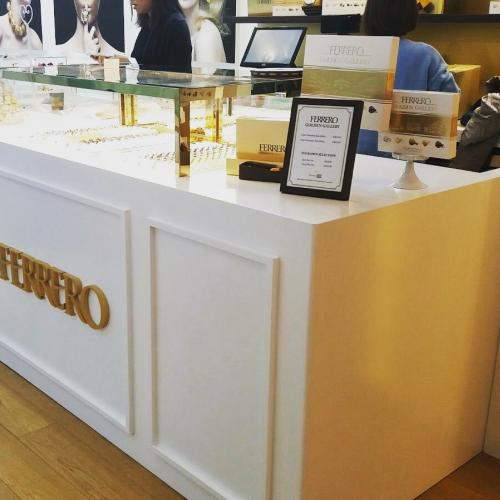 Ferrero Rocher use Fancor jewellery box showcase, display chocolate. 金沙朱古力, 朱古力展示櫃